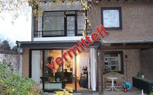 Verkauft durch Schöller Immobilien e.K. Doppelhaushälfte mit hochwertigen Einbauschränken, Köln-Lövenich
